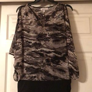 Jennifer Lopez XL black & gray blouse